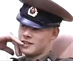 Russian soldier versao VHS Military Zone Cena8 Estudio AMR videos porno gay videos de sexo filmes.